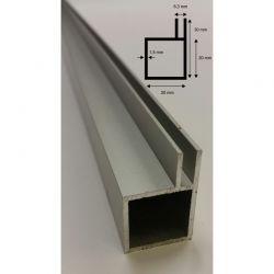 Alu Vier-Kantprofil mit 2x10 mm Stege